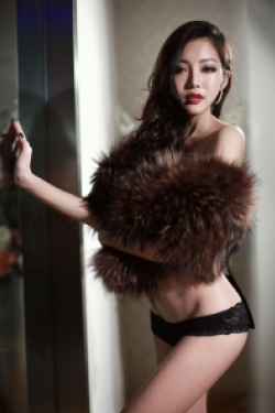 Escort  Ming from Mayfair